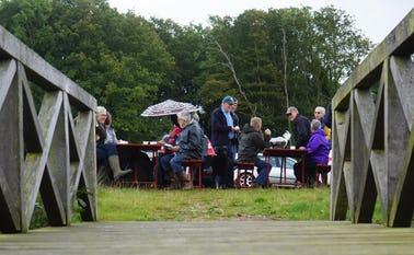 Skovlund og Ansager mødes hvert år til et fælles arrangement på stemmeværkspladsen ved Varde å i udviklingsrådets regi.