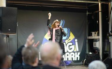 Tamra Rosanes på Torvet i Ølgod