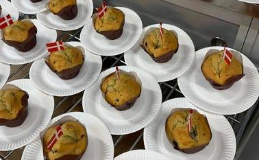 Min Købmand Agerbæk serverede muffins i anledning af kædens fædselsdag