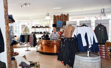Indehaveren Bente Møller i den nye butik Outdoor i Nørre Nebel