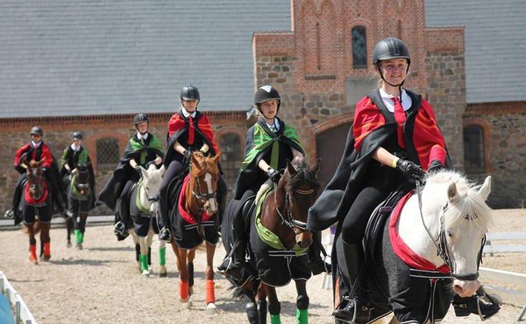 Rideklubben Ansager RIKA til Landsfinalerne i kvadrille på Vilhelmsborg