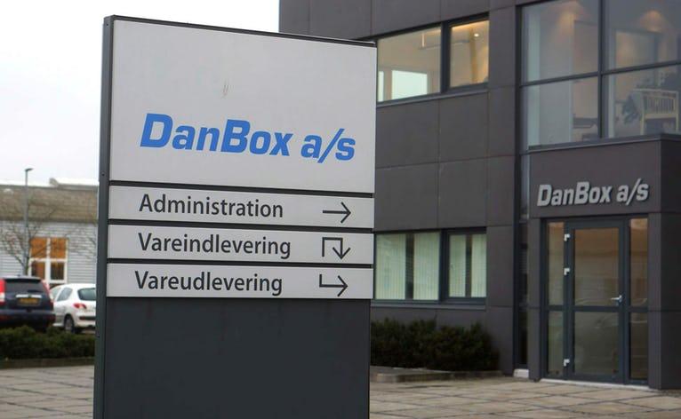 AKA-Danbox søger ny medarbejder, der kan svejse