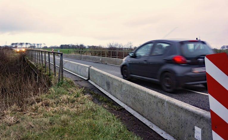 Broen på Grødevej over den gamle kanal er i dårlig stand og kan ikke mere tåle tunge køretøjer