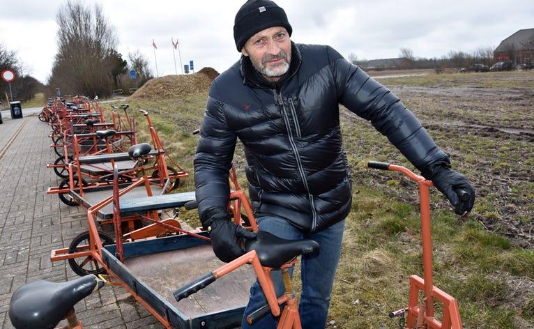 Jørgen Bundgaard ved cyklerne i Nr Nebel