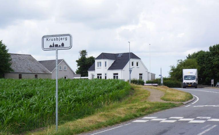 Krusbjerg er en af de landsbyer beliggende i landzone, som kunne komme i betragtning som