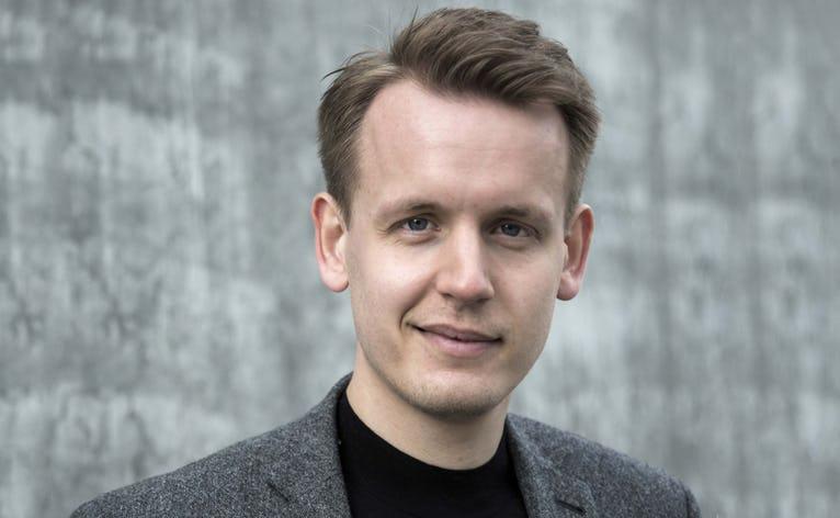 """Frederik Lindhardt (f.1989) forfatter til bogen """"Lidt af far"""""""
