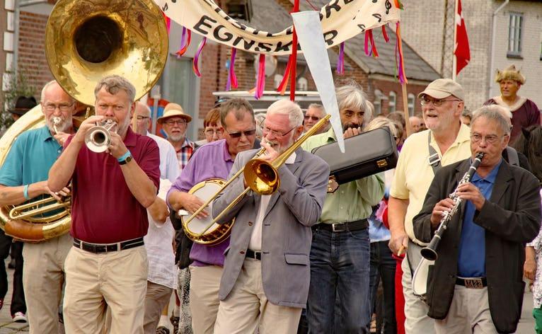 Fra åbningen af den første Mariefestival i 2013. 2018 springes over, men festivalen er tilbage igen med fuld kraft i 2019